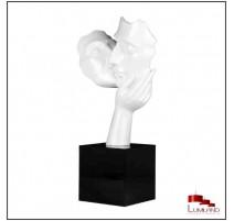 Statue CACHE-CACHE, Blanche, socle Noir