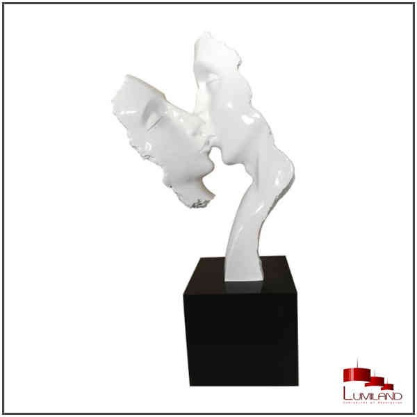 "Statue ""Le baiser"""